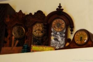 3- Clocks-1-L